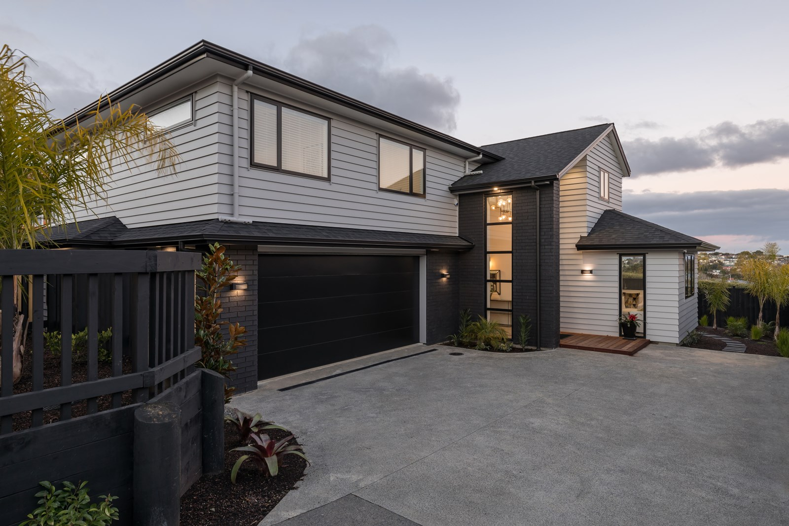 1582a Dominion Road - Roskill South